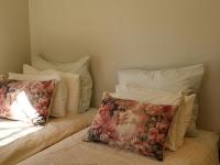 large-cottage-bedroom